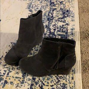 Toms grey suede wedge booties size 12